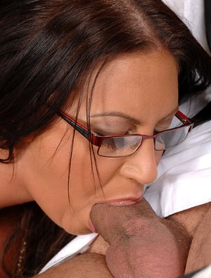 This little mature woman deep throat someone