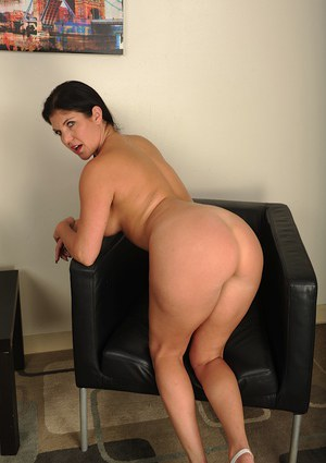 Very big ass older women porn